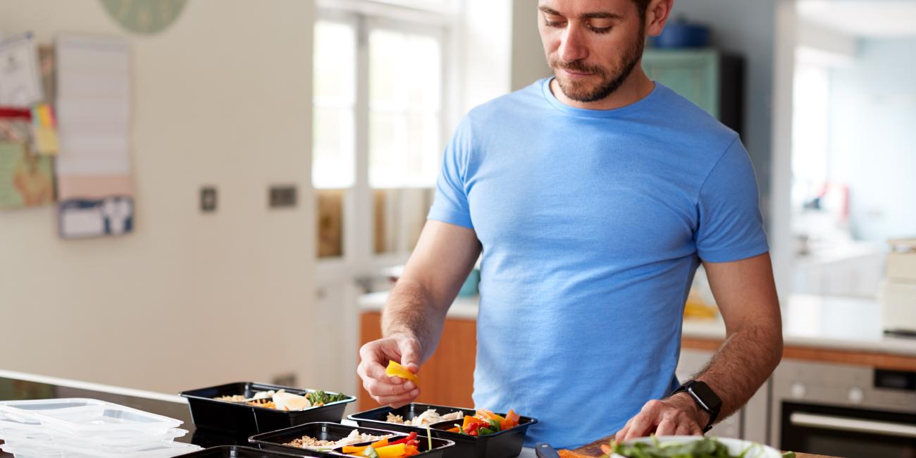 Alimentação saudável e exercícios físicos fortalecem o sistema imunológico!